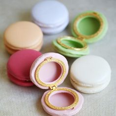 Nice idea to propose with these charming macaron cases...hide your ring in it...