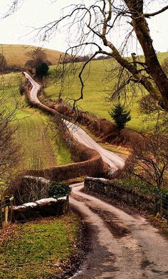 Winding Road, Wales I adore thi kind of landscape! Nature with a little place for humans. The Places Youll Go, Places To See, Grande Route, Beautiful World, Beautiful Places, Beautiful Scenery, Beau Site, Winding Road, Back Road