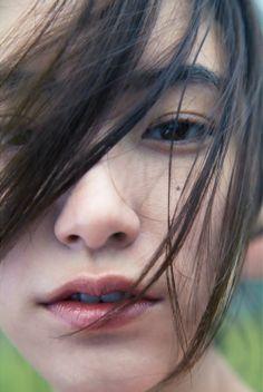 With blue eyes Japanese Beauty, Korean Beauty, Asian Beauty, Japanese Girl, Girl Photo Poses, Girl Photos, Model Face, Pretty Asian, Human Art