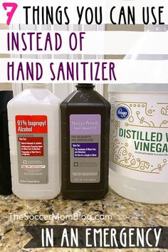 When water isn't an option and the stores are empty, what can you use instead of hand sanitizer to kill germs? We break down common household items that may be useful in an emergency. Learn how to make your own homemade hand sanitizer! Cleaning Recipes, Cleaning Hacks, Natural Hand Sanitizer, Hydrogen Peroxide Uses, Disinfectant Spray, Homemade Disinfecting Wipes, Cleaners Homemade, Rubbing Alcohol, Vide