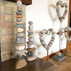 Life is change! Said the stone to the flower and flew away. (unknown) Stone Towers Stone Hearts Stone towers stone hearts stones s pebblegarden Stone Crafts, Rock Crafts, Crafts To Make, Arts And Crafts, Art Pierre, Rock Sculpture, Stone Sculptures, Deco Nature, Rock And Pebbles