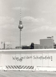 Berlin-Mitte: Die Mauer am Potsdamer Platz (Aufnahme: August 1976)