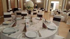 Obține efectul WOW la nunta ta prin decorațiuni simple și clasice. Află pe blog cum: http://decorcenter.ro/2016/04/22/keep-it-simple-and-classy/