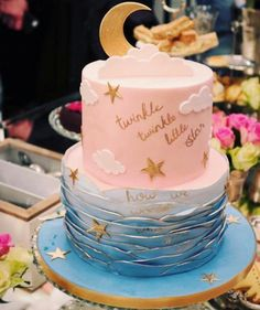 Baby Showers Twinkle Gender reveal baby shower cake twinkle twinkle little star Gender Reveal Party Decorations, Baby Gender Reveal Party, Gender Party, Baby Shower Songs, Shower Games, Baby Reveal Cakes, Gender Reveal Cakes, Baby Shower Cakes Neutral, Twin Baby Shower Cake