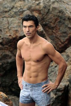 "Ian Anthony Dale - promo still for ""The Event"""