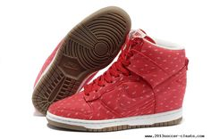 Womens Nike Dunk Sky High Print Hyper Red Sail Gum Dark Brown Hyper Red Shoes For Wholesale Red Sneakers, Sneakers For Sale, Ladies Sneakers, Sneakers Design, Work Sneakers, Nike Sneakers, Nike Tn Pas Cher, Nike Soccer Shoes, Online Shopping