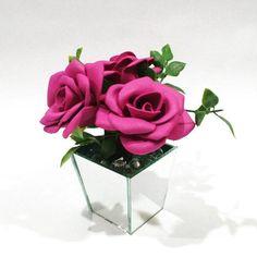 Artesanato em EVA: 60 modelos para inspirar sua produção (fotos, tutoriais e moldes) Diy Flowers, Valentines, Party, Wedding, Instagram, Biscuit, Fake Flower Arrangements, Do Crafts, Romantic Wedding Decor