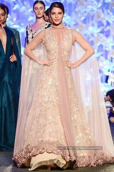 Jacqueline Fernandez looks gorgeous as she walks the ramp for Manish Malhotra during the Lakme Fashion Week 2016 in Mumbai. LFW Manish Malhotra Photogallery at ETimes Lakme Fashion Week, India Fashion, Ethnic Fashion, Asian Fashion, Fashion Weeks, Pakistani Dresses, Indian Dresses, Indian Outfits, Indian Engagement Outfit