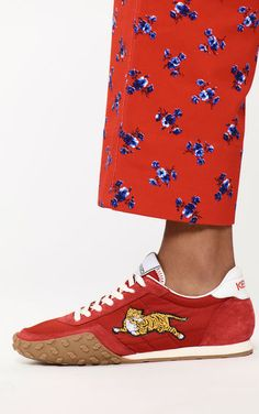 Discover the collection of KENZO women's shoes: sneakers, slip-on, espadrilles, sandals with trendy KENZO prints. Kenzo Clothing, Shoes Sneakers, Man Shoes, Me Too Shoes, Ready To Wear, Espadrilles, Autumn Fashion, Slippers, Accessories