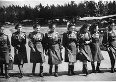 A Soviet women-only bomber regiment was so dangerous, German soldiers called them the 'Night Witches' - OMG Facts
