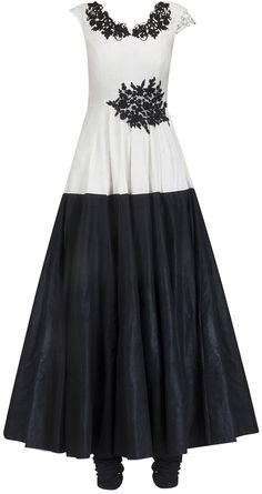 Black and white anarkali by RIDHI MEHRA. Shop at https://www.perniaspopupshop.com/whats-new/ridhi-mehra-6