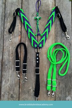 Learn how to custom make your own horse rope halters, breast collars, mule tacks, and more with tutorials and instructions Barrel Racing Saddles, Western Horse Tack, Diy Braids, Horse Gear, Hobby Photography, Hobby Horse, Equestrian Style, Equestrian Fashion, Horse Riding