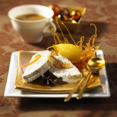 Mohnparfait mit Gewürz-Birnen Rezept Sorbet, Parfait, Dessert Recipes, Desserts, Love Food, Panna Cotta, French Toast, Sweets, Breakfast