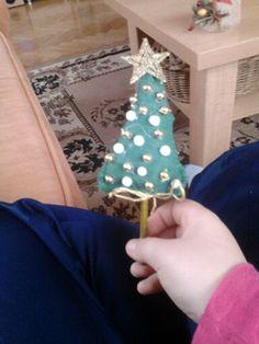 Stromeček z plsti.