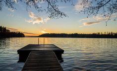 Talven jaksaa ehkä hieman paremmin ajatuksella kesäisestä rannasta. Suurin osa Suomen vesipinta-alasta sijoittuu Järvi-Suomeen.