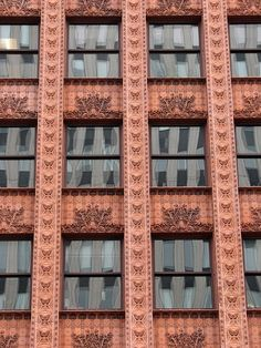 Louis Sullivan's 1895 Guaranty Building Buffalo NY. Recommended by Iggy Peck, Architect, book by Andrea Beaty. Brick Architecture, Historical Architecture, Beautiful Architecture, Beautiful Buildings, Architecture Details, Louis Sullivan, Art Nouveau, Art Deco, Windows