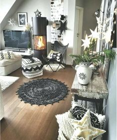 BLACK & WHITE BOHEMIAN (1) lots of patterns & text… – #Black #boheme #Bohemian… #pillowtexture #Black #blackpillowtexture #boheme #Bohemian #lots #Patterns #text #white Black And White Pillows, Black White, White Bohemian, Boho, Pillow Texture, Home Remodeling Diy, Best Pillow, Diy Home Decor Projects, Decor Ideas
