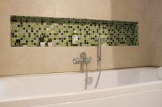 Salle de bain / baignoire / hydromassage / Niche/ mosaïque / Naturel / Zen /Grège / Vert nature