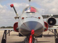 https://flic.kr/p/5Cm6gs   Força Aérea Chilena - F5 Tiger III   Detalhe - Bandeira na cabine.