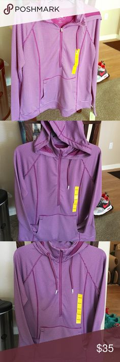 """NWT Women's Med Tangerine 1/2 zip stretch Fleece🎀 Tangerine Women's Medium,  1/2 Zip collared hoody, """"raspberry"""" collared (light maroon) light Fleece type top great for workouts, running or anytime really. This was the last one left. Great  too, New With Tags! Tangerine Tops Sweatshirts & Hoodies"""