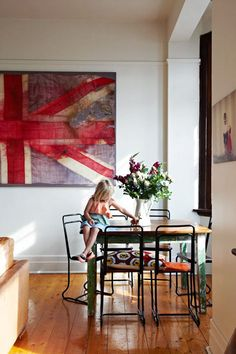 Union Jack artwork - might need this in my future home. ;)