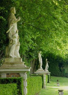 Statues du parc, par Thomas Dupaigne
