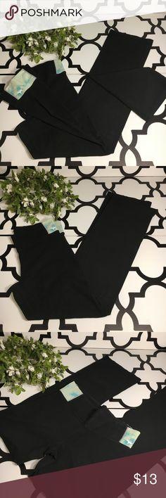 PINK VS Yogo/Leggings PINK VS Black yoga/leggings with blue-green sides  (Wide legs)   Waist-31 Length-41 Inseam-32  #0137 PINK Victoria's Secret Pants Leggings