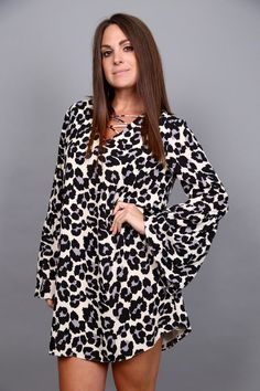 We have the case of leopard lovin' around here! These belle sleeves are straight…