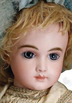 """A. Thuillier doll A9T 49cm or 20"""""""