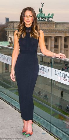 Kate Beckinsale wears a skintight navy dress at Underworld photocall in Berlin | Daily Mail Online