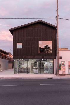 Pain Paulin, boulangerie et logements par le studio d'architecture Ciguë - Journal du Design