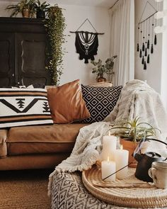 Bohemian Living Room Decor Boho Home Decor 11 Tips that Show You How to Pull It F Boho Living Room, Living Room Lighting, Living Room Decor, Cozy Living Room Warm, Boho Room, Cozy Eclectic Living Room, Decor Room, Living Area, Wall Decor