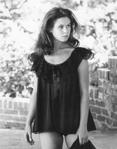 elizabeth montgomery { aka samantha from bewitched } young and beautiful