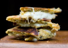 The Best Grilled Cheese Sandwich Ever--so they say. We better try it and find out :) Looks amazing enough!