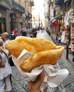 Naples isn't only known for traditional pizza but also pizza fritta a street food that is pretty much exactly what it sounds like: fried pizza. Yep sandwich together two layers of pizza dough with all the other necessary pizza fixings in between fry it all and enjoy (preferably with a lot of napkins on hand!). Get a taste of Naples and Campania by ordering this month's Nonna Box with its regional products and recipes from a local nonna. Reserve your box now via the link in our bio. Boxes are…
