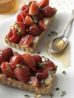 Using flaxseeds is a good way to include more omega-3 fats in your diet. We added them to the crust of this fruit dessert but you would never know it.