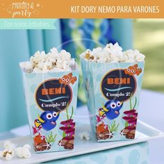 Muchas ideas para decorar tu fiesta de Dory y Nemo con estas decoraciones para imprimir y armar. Recibí tu kit en tu mail, imprimí y decorá. Nemo Y Dory, Party Printables, Ale, Tableware, Ideas, Invitation Cards, Printables, Decorations, Meet
