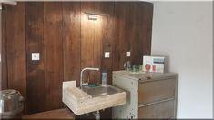 loft stílusú konyha vidéki házban - Luxuslakások Decor, Bathroom Vanity, Rustic Furniture, Vanity, Furniture, Home Decor, Wabi Sabi, Sink, Bathroom