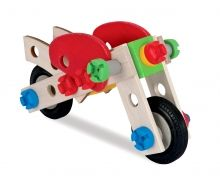 Wooden toys have a name – Eichhorn. For over 60 years, the wooden train set, building bricks or pull-along figures from Eichhorn have been among the most valuable and popular toys in every well-equipped children's room.