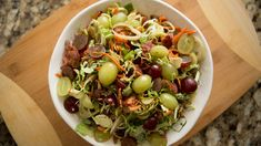 This Raw Vegetable and Grape Salad made with fresh Grapes from California, Brussels sprouts and fennel is one you can feel good about eating Grape Recipes, Fall Recipes, Grape Salad, Raw Vegetables, Veggies, Vegetarian Recipes, Healthy Recipes, Healthy Salads, Healthy Food