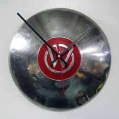Willy's hub cap clock