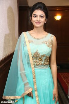 Anandhi Beautiful Girl Photo, Beautiful Girl Indian, Most Beautiful Indian Actress, Beautiful Women, Beautiful Bollywood Actress, Beautiful Actresses, Indian Girl Bikini, Indian Girls Images, Saree Models