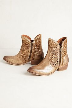 Ring Toss Boots #anthropologie #anthrofave