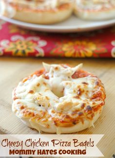 Cheesy Chicken Pizza Bagels - Mommy Hates Cooking