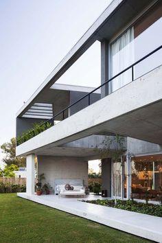 Kallistos Stelios Karalis    Luxury Connoisseur    * Amado Cattaneo Arquitectos