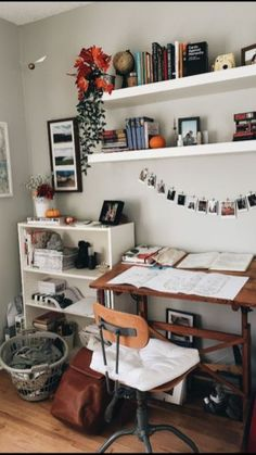 √ 42 Free DIY Bedroom Desk Ideas You Can Make Today. Bedroom Desk With Storage. These free DIY bedroom desk plans will give you everything you need to successfully build a desk for your office or any other space in your home. Bedroom Desk, Room Decor Bedroom, Dorm Room, Bedroom Office, Design Bedroom, Master Bedroom, Bedroom Inspo, Shelves For Bedroom, Mirrored Bedroom