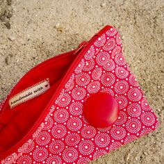 Language Barrier between slaves Sunglasses Case, Coin Purse, Wallet, Purses, Sewing, Handbags, Dressmaking, Couture, Stitching