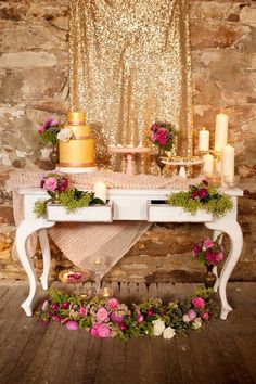 Pink & gold wedding table decor and display.
