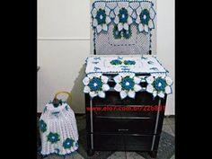 Jogo de Cozinha de Crochê - YouTube Crochet Kitchen, Crochet Designs, Arcade Games, Decorative Boxes, Dolls, Youtube, Kitchen Playsets, Kitchen Kit, Crochet Carpet
