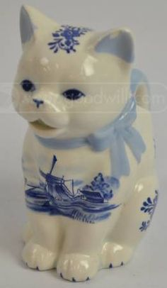 HOLLAND DELFT BLUE Kitty Cat Creamer